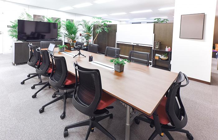 会社オフィスの確保と従業員の採用